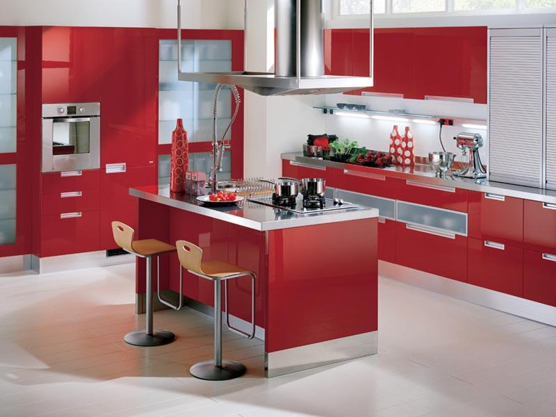 красный цвет в интерьере кухни