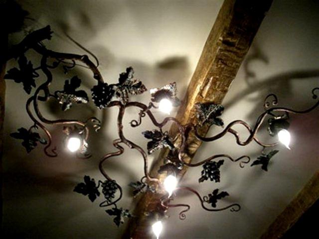 кованые люстры в итерьере фото