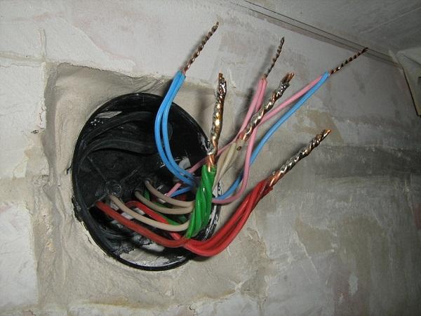соединения проводов пайкой