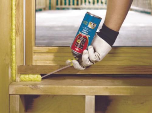 Утепление деревянных окон монтажной пеной