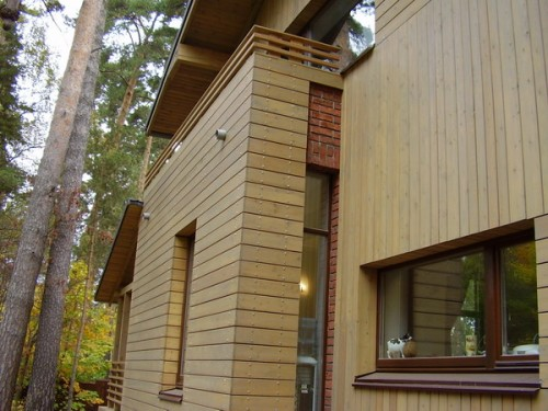 Материалы, имитирующие стену из бруса для отделки фасада дома