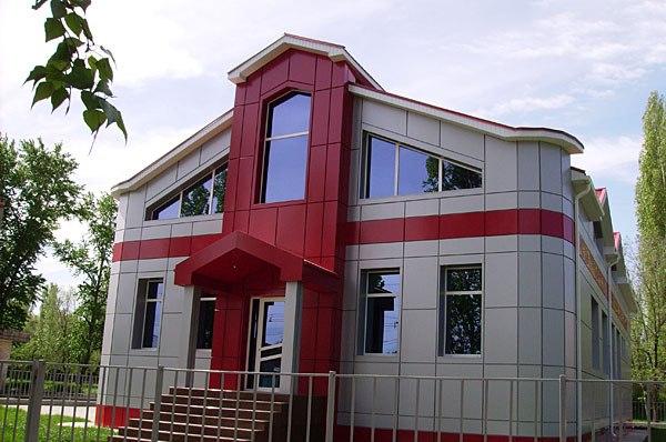 алюминиевые композитные фасадные панели для отделки фасада дома