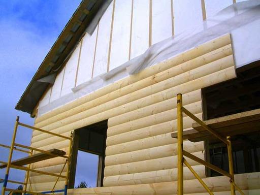 Отделка фасада дачи с помощью блок-хауса