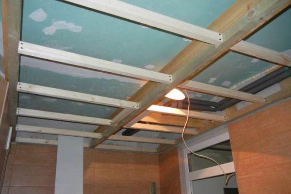 каркас для пластикового потолка из дерева