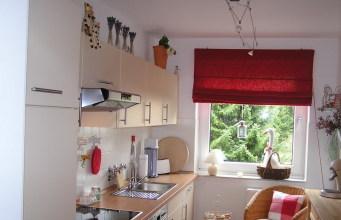 Как сделать узкую кухню уютной