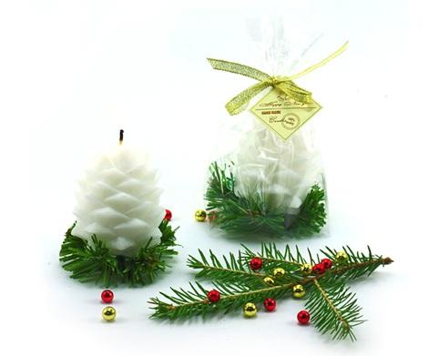 Декоративные свечи ручной работы праздничной тематики