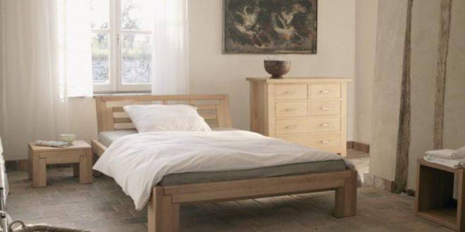 Кровать из массива дерева – превосходный выбор для спальни