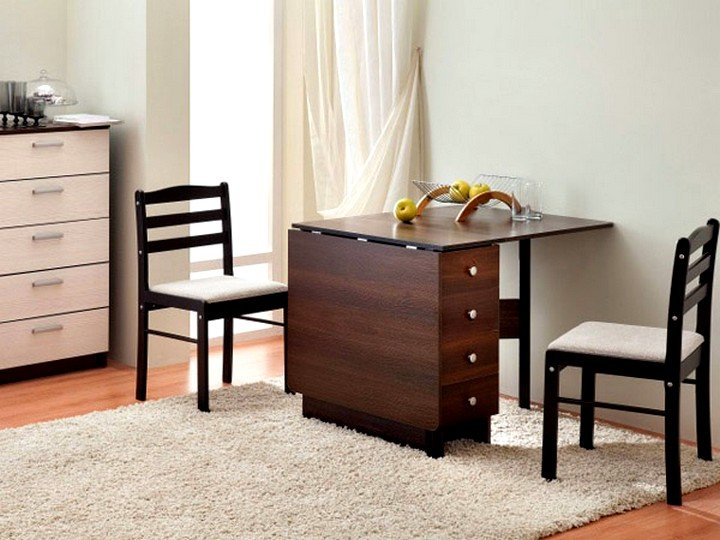 Раскладные столы для малогабаритной квартиры