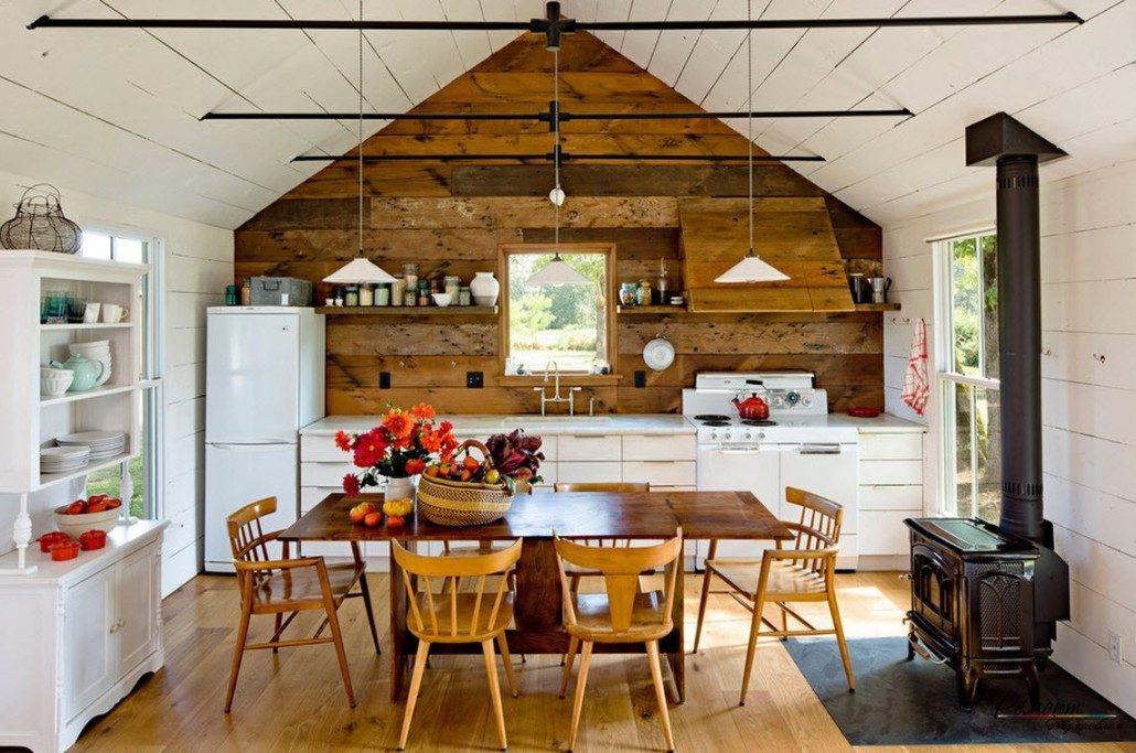 Правила обустройства кухни в загородном доме