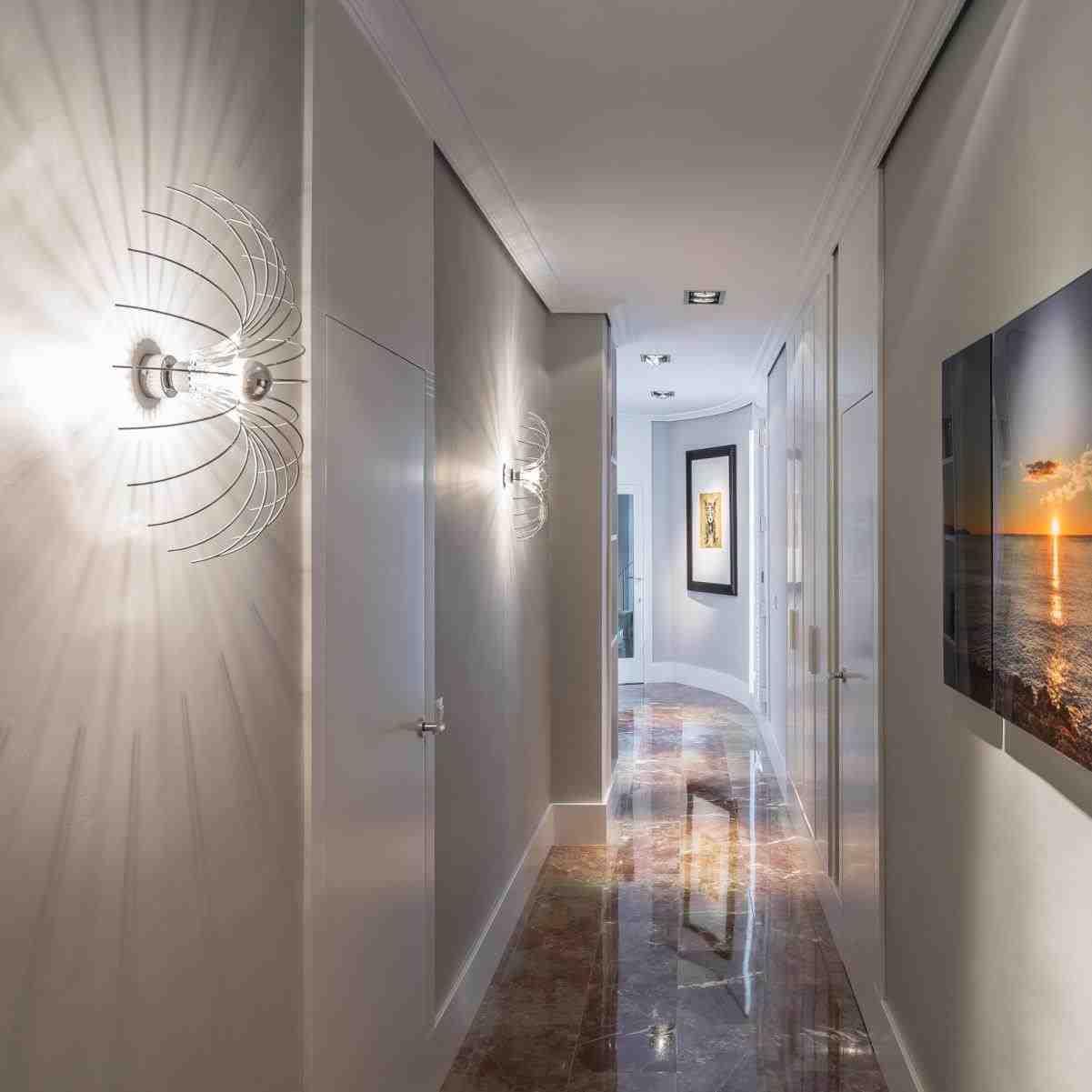 Освещение в прихожей комнате