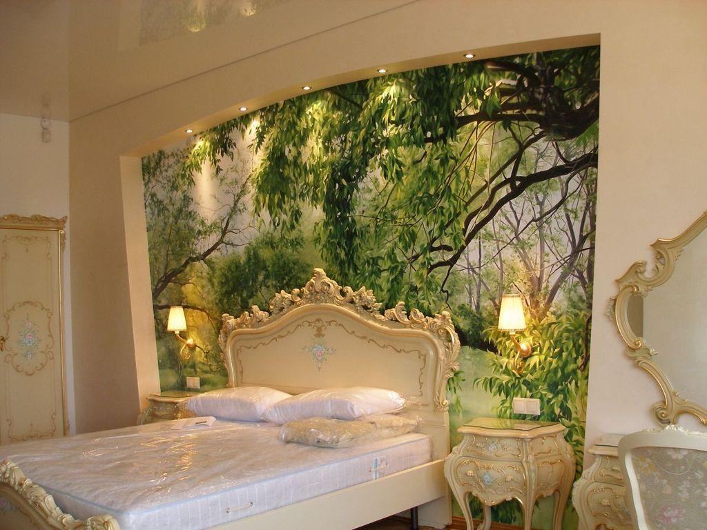 Художественная роспись в интерьере спальни