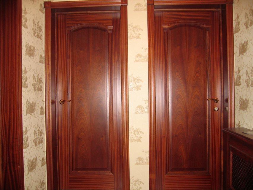 Отрицательные стороны древесины для дверей