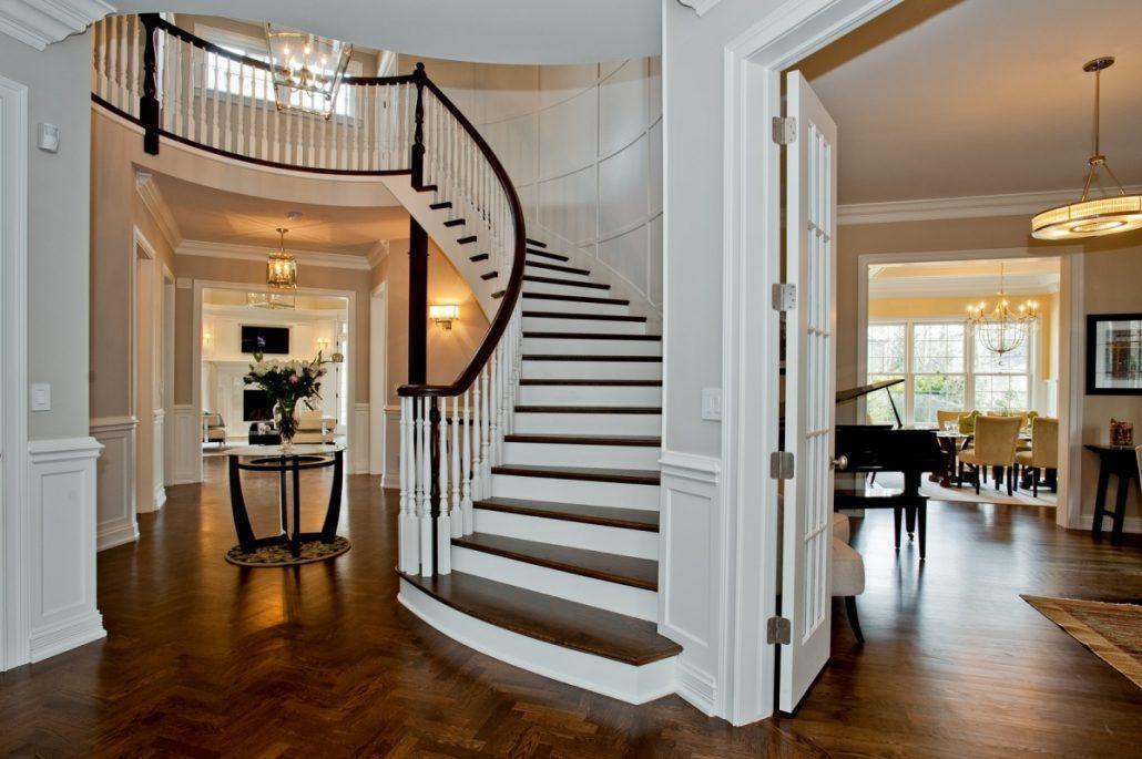 Лестницы в интерьере вашего дома