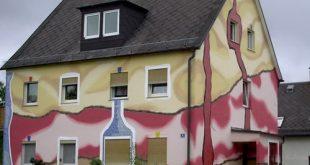 Pokraska fasada doma v 2 cveta