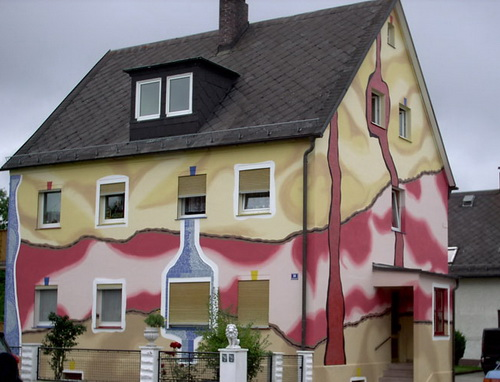 Pokraska-fasada-doma-v-2-cveta