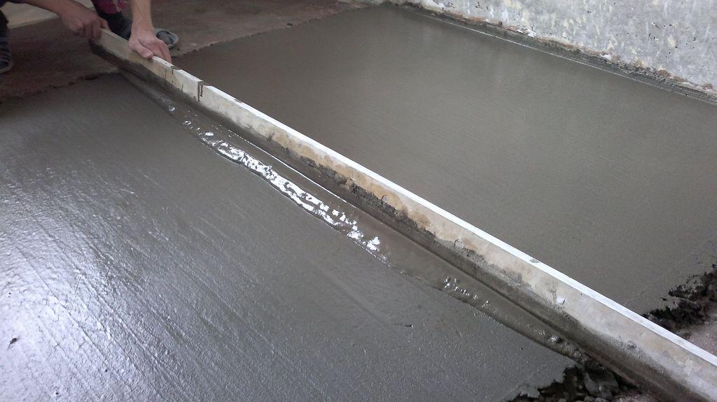 1481091156_vyravnivanie-cementnoj-stjazhki-pola