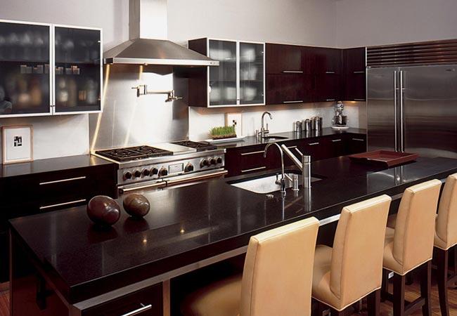 Dark-Kitchen-Cabinets-650x450